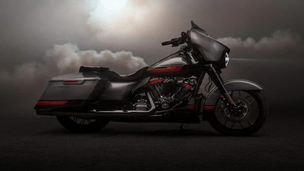 20-CVO-CVO-street-glide-hero-mobile