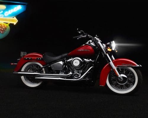 20-softail-deluxe-hero-mobile