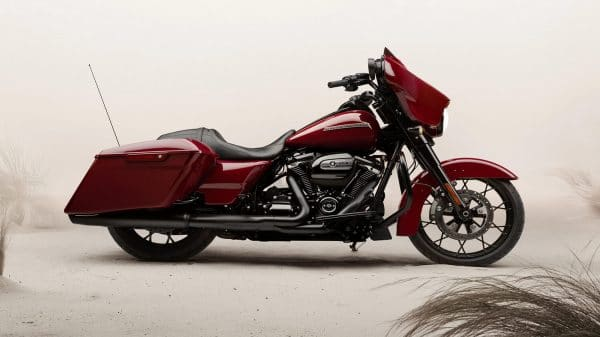 20-touring-street-glide-special-hero-mobile